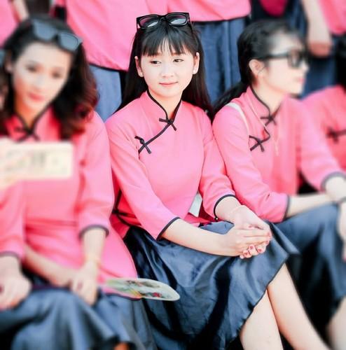 Hat quan ho tren buc giang, 9X Bac Ninh hut ngan like-Hinh-6