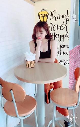 Mac ao dai ngu gat giua san truong, 10X Hung Yen gay sot-Hinh-10