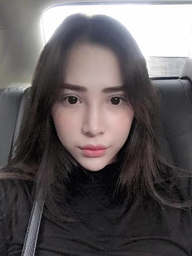 """Nguoi mau goc Hoa xinh dep cuon hut tren san bong """"phui"""" Viet-Hinh-4"""