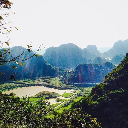 """""""Lac troi"""" truoc canh dep Thung Nham dip cuoi tuan-Hinh-2"""