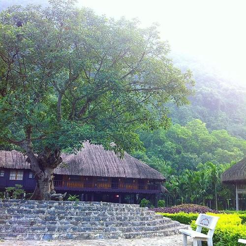 """""""Lac troi"""" truoc canh dep Thung Nham dip cuoi tuan-Hinh-4"""