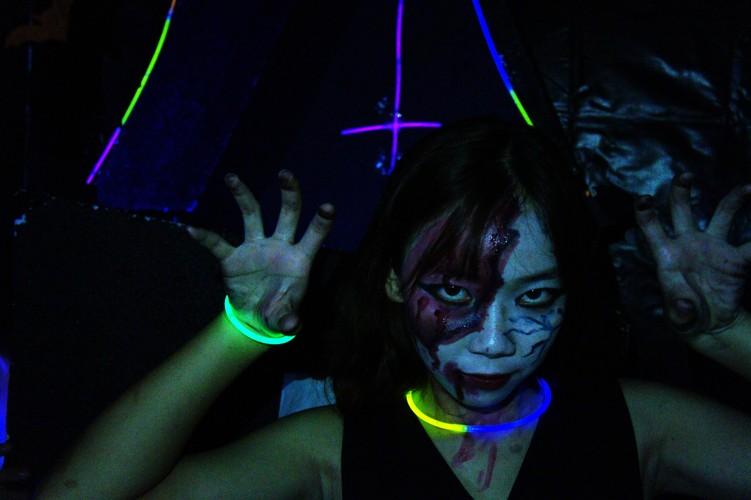 Sinh vien khoa Luat DH Quoc Gia Ha Noi choi gi mua Halloween?-Hinh-4
