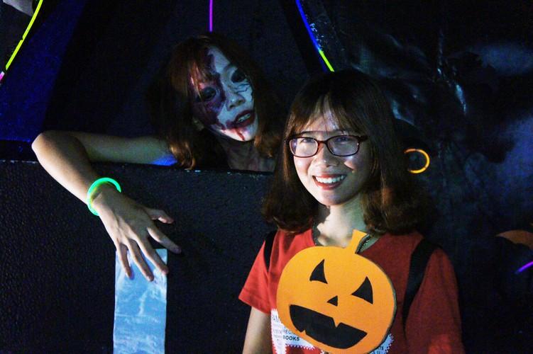 Sinh vien khoa Luat DH Quoc Gia Ha Noi choi gi mua Halloween?-Hinh-6