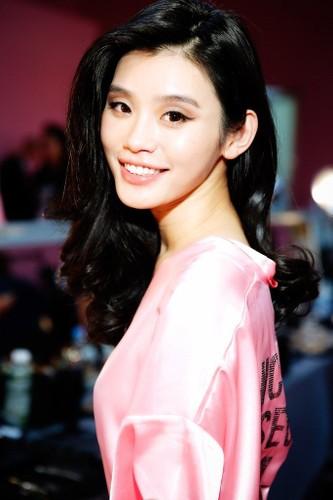"Thien than nao ""don tim"" con ong trum co bac Ma Cao?-Hinh-2"