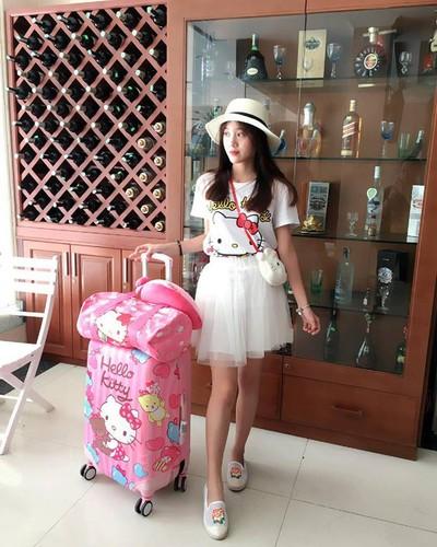 Co gai Hai Phong va bo suu tam meo Kitty cuc khung-Hinh-3