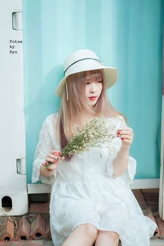 """Hot girl ao hong"" o My Dinh duoc khen xinh hon hoa hau-Hinh-3"
