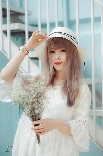 """Hot girl ao hong"" o My Dinh duoc khen xinh hon hoa hau-Hinh-4"