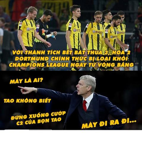 Anh che bong da: Arsenal so hai khi Dortmund xuong da Cup C2-Hinh-10