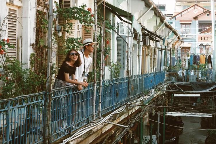 Con hem Hong Kong 100 tuoi thu hut gioi tre Sai Gon-Hinh-3
