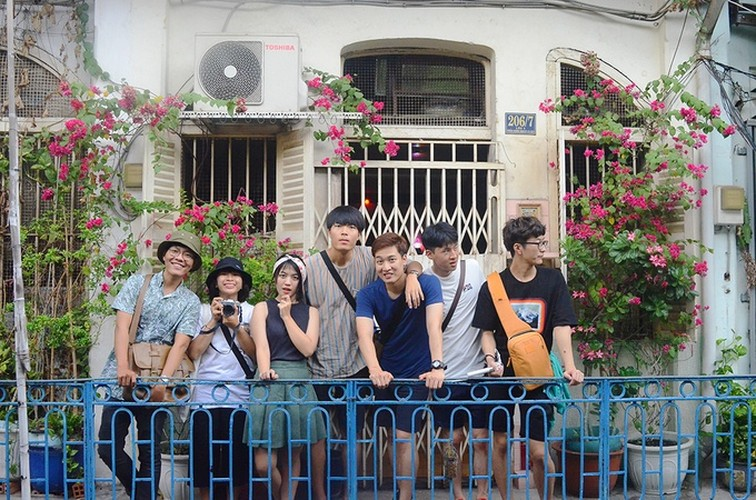 Con hem Hong Kong 100 tuoi thu hut gioi tre Sai Gon-Hinh-7
