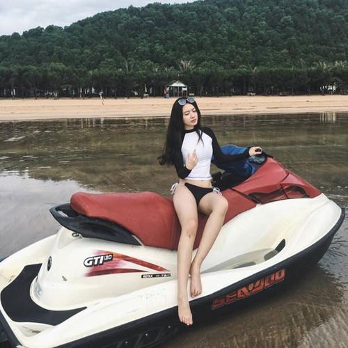 """Qua xinh, qua """"chat""""... nu biker Viet len bao nuoc ngoai-Hinh-4"""