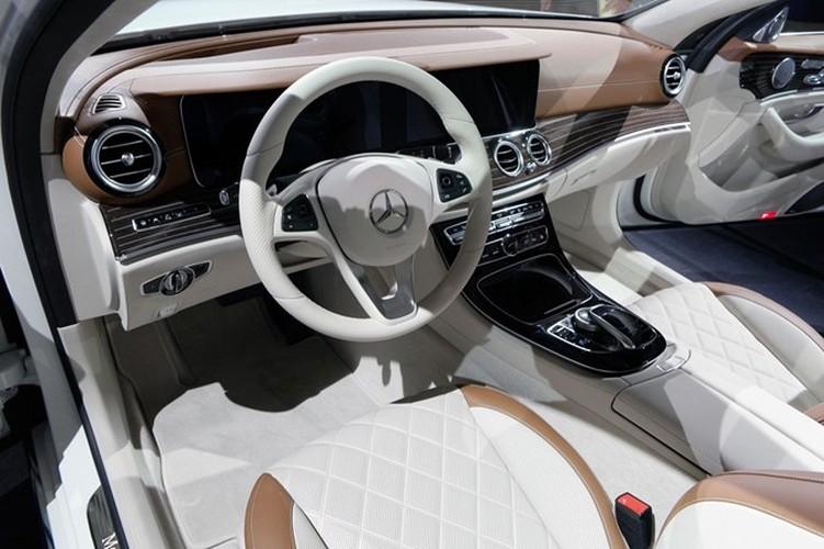 Mercedes-Benz ra mat sedan hang sang E-Class moi-Hinh-11