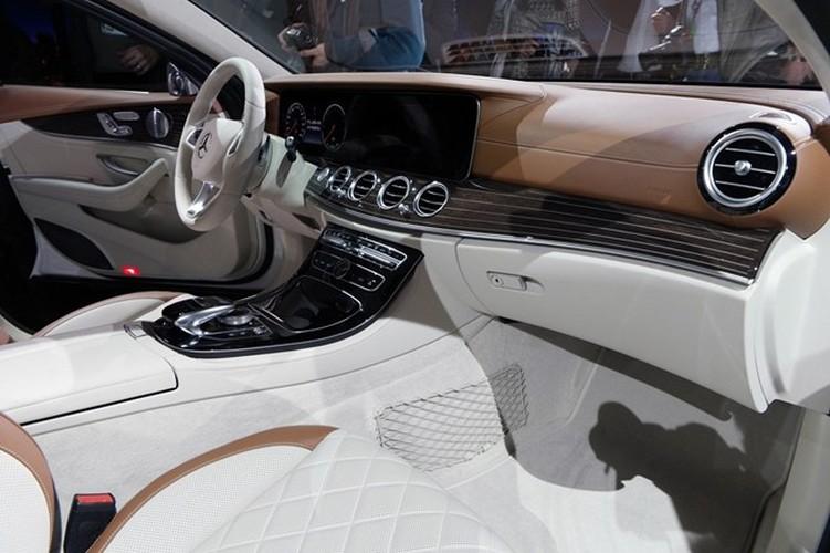 Mercedes-Benz ra mat sedan hang sang E-Class moi-Hinh-13