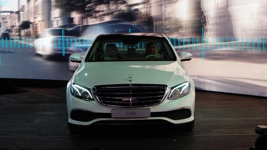 Mercedes-Benz ra mat sedan hang sang E-Class moi-Hinh-6