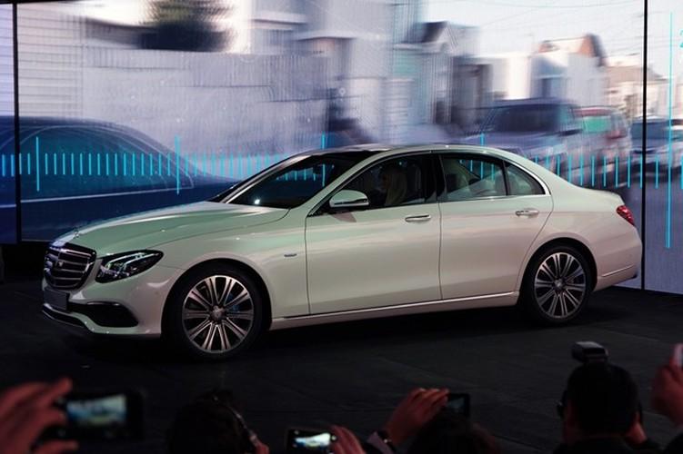 Mercedes-Benz ra mat sedan hang sang E-Class moi-Hinh-7