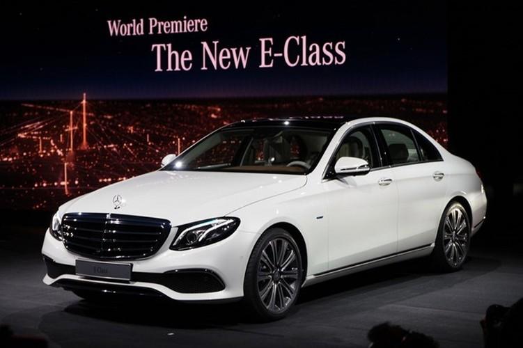 Mercedes-Benz ra mat sedan hang sang E-Class moi