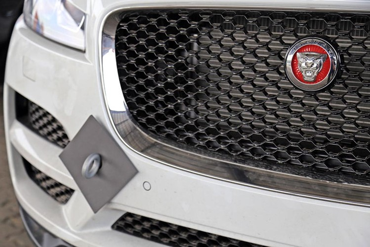 SUV hang sang Jaguar F-Pace chot ngay ra mat tai VN-Hinh-3