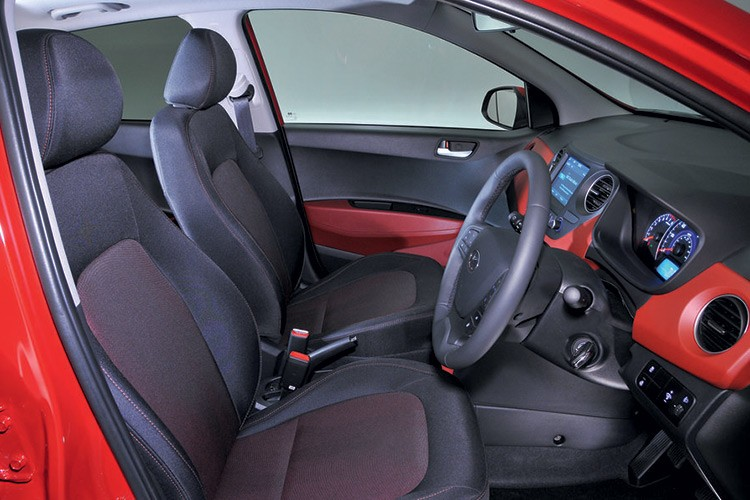 Hyundai i10 ban nang cap