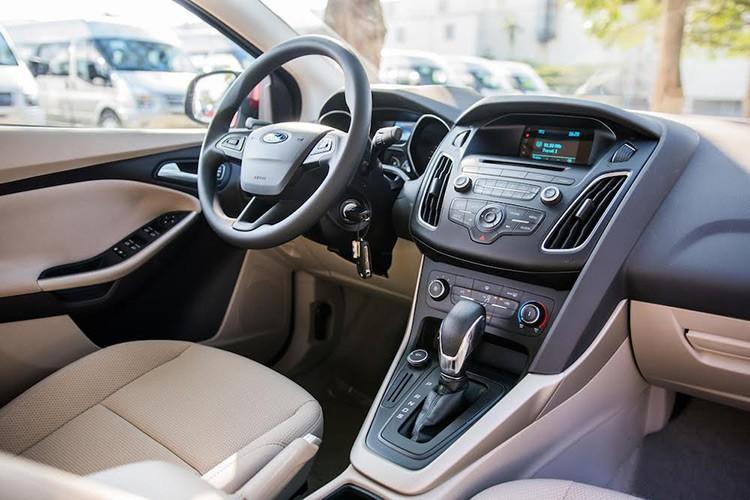 Ford Viet Nam ra mat Focus Trend moi gia 699 trieu-Hinh-3