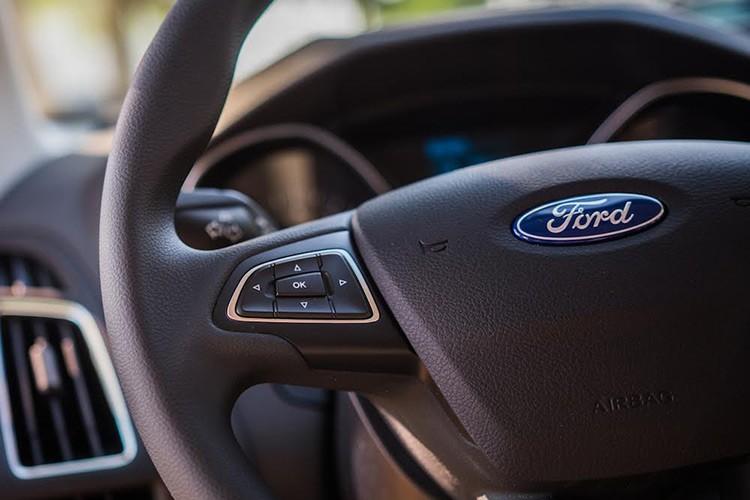 Ford Viet Nam ra mat Focus Trend moi gia 699 trieu-Hinh-4