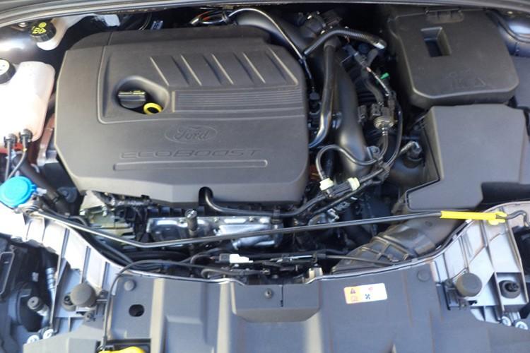 Ford Viet Nam ra mat Focus Trend moi gia 699 trieu-Hinh-5