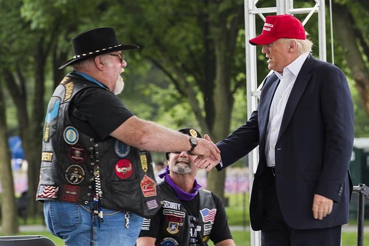 Hang nghin dan choi moto Harley-Davidson ung ho Trump