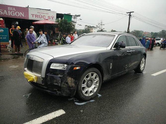 Xe sang Rolls-Royce hon 10 ty gay tai nan tai Ha Tinh-Hinh-5