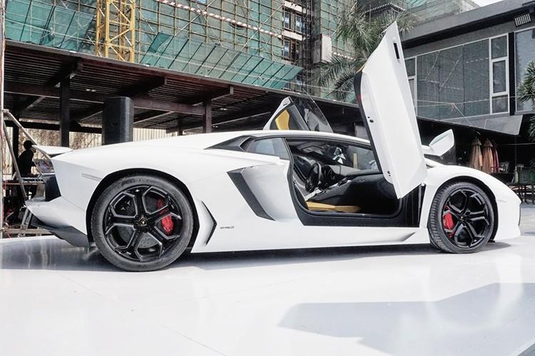 Dai gia Viet chi 300 trieu do sieu xe Lamborghini choi Tet-Hinh-10