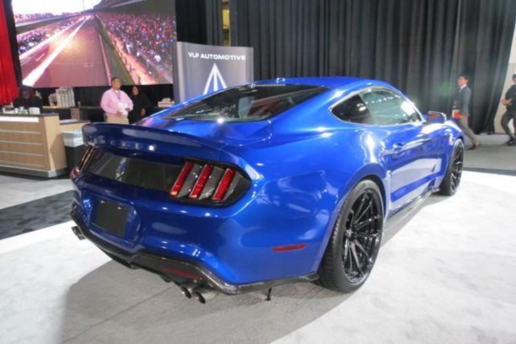 """Ten lua"" Ford Mustang V8 725 ma luc chuan bi ra lo-Hinh-4"