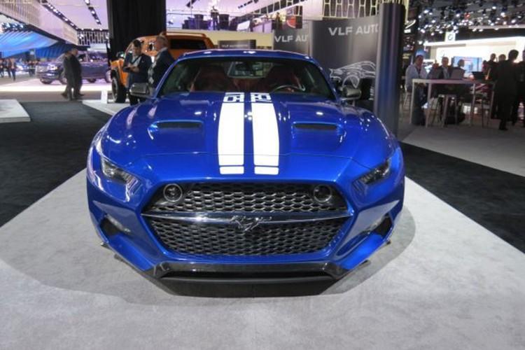 """""""Ten lua"""" Ford Mustang V8 725 ma luc chuan bi ra lo"""