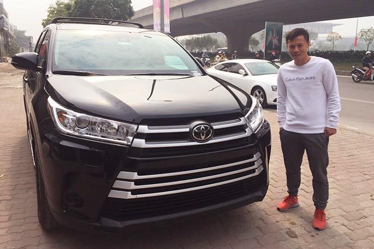 QBV Thanh Luong chi tien ty tau Toyota Highlander 2017