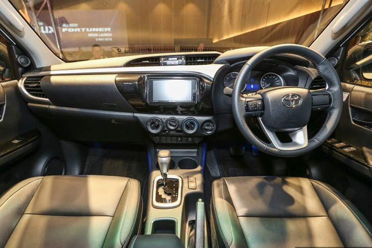 Can canh Toyota Hilux 2.4G Limited Edition gia 643 trieu-Hinh-5