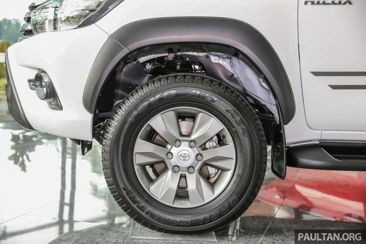 Toyota Hilux ban dac biet gia 644 trieu tai Malaysia-Hinh-4