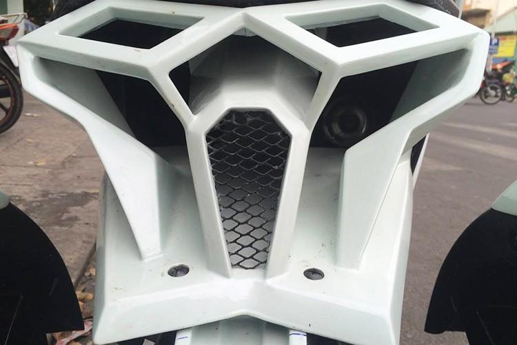 Honda Click do 3 banh nhu sieu moto tai Sai Gon-Hinh-4