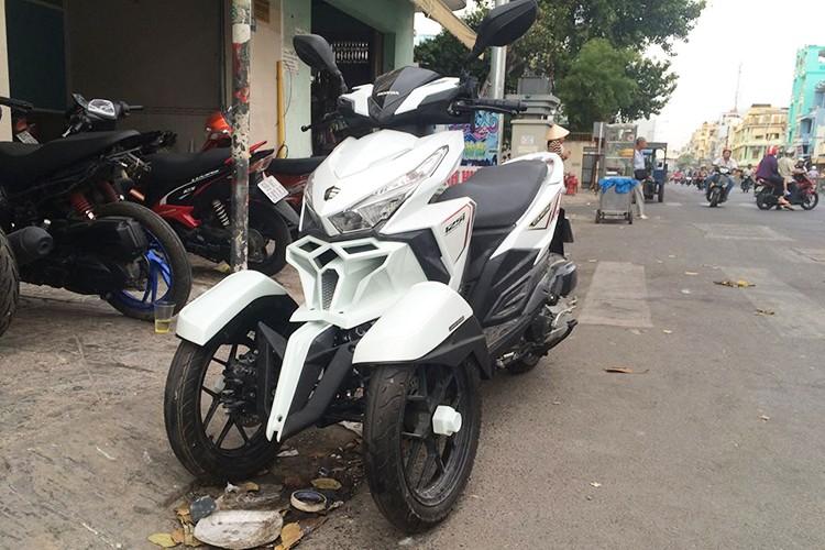 Honda Click do 3 banh nhu sieu moto tai Sai Gon-Hinh-6