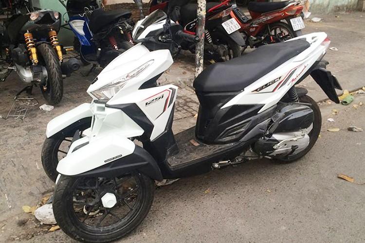 Honda Click do 3 banh nhu sieu moto tai Sai Gon