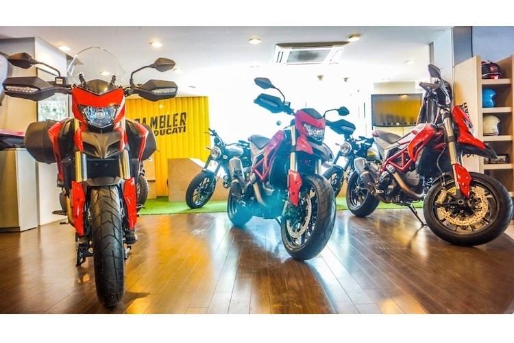 Ducati Hypermotard 939 gia 500 trieu
