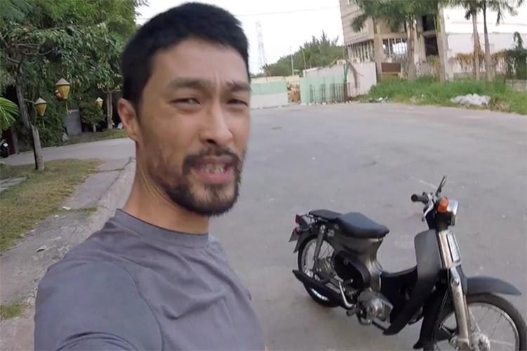 """Johnny Tri Nguyen chi 420k do Honda Cub 79 """"dong nat"""""""