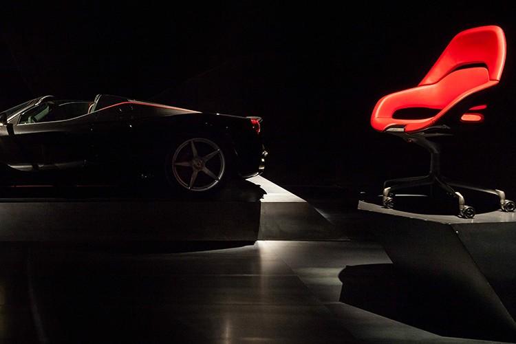 """Phat sot"" ghe van phong sieu xe Ferrari gia 180 trieu-Hinh-7"