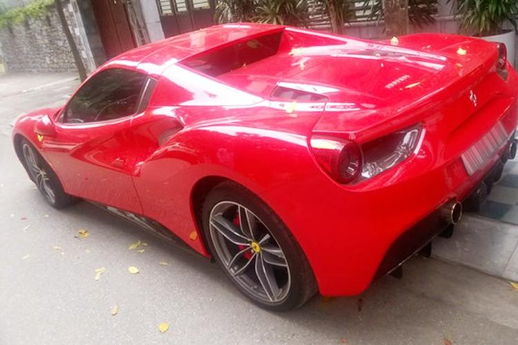 Ferrari 488 Spider gia hon 15 ty ra bien trang tai Ha thanh-Hinh-3