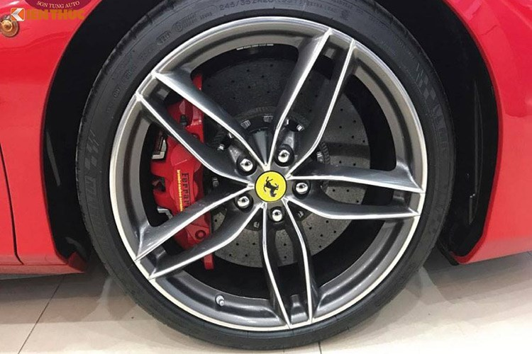 Ferrari 488 Spider gia hon 15 ty ra bien trang tai Ha thanh-Hinh-5