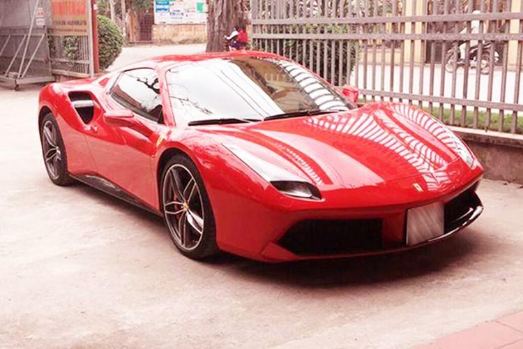 Ferrari 488 Spider gia hon 15 ty ra bien trang tai Ha thanh