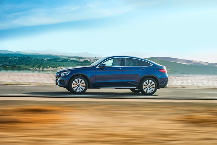 """Mercedes GLC 300 4MATIC Coupe """"chot gia"""" 2,9 ty tai VN-Hinh-2"""