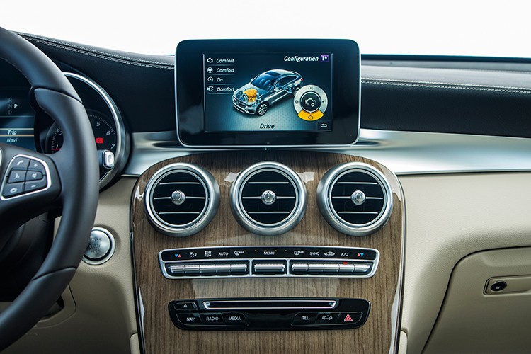 """Mercedes GLC 300 4MATIC Coupe """"chot gia"""" 2,9 ty tai VN-Hinh-8"""