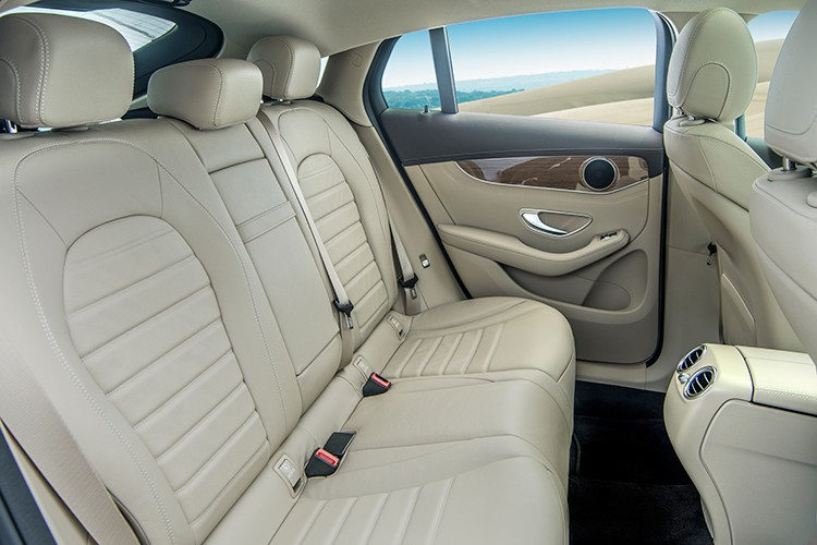 """Mercedes GLC 300 4MATIC Coupe """"chot gia"""" 2,9 ty tai VN-Hinh-9"""