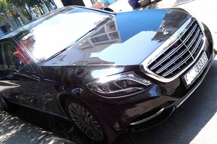"Mercedes-Maybach S600 ""bien khung"" gia gan 10 ty dong"