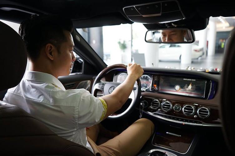 """Ca si Duc Tuan chi 4 ty """"tau"""" Mercedes-Benz S400L-Hinh-5"""