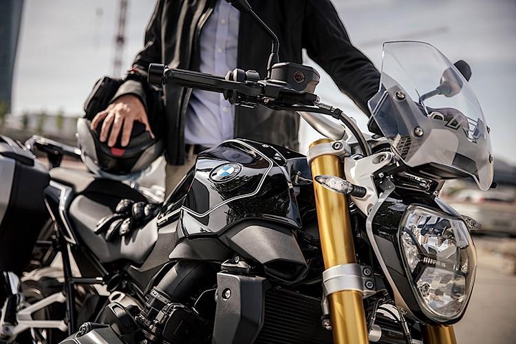 "Moto BMW R1200R Black Edition ""chot gia"" 394 trieu-Hinh-2"