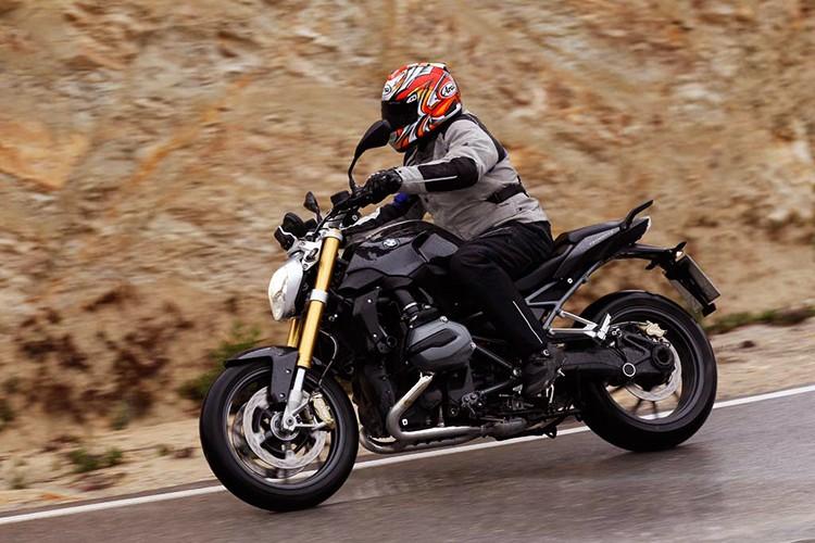 "Moto BMW R1200R Black Edition ""chot gia"" 394 trieu-Hinh-9"