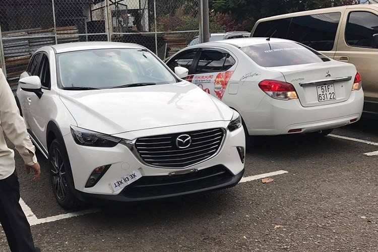 """Soi"" Mazda CX-3 gia re ra bien trang tai Viet Nam-Hinh-4"